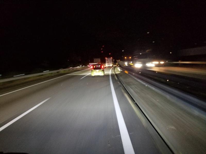 4tトラックの夜間ローカル配送